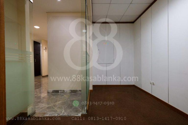 Rent Office 88@Kasablanka 121 m2 Good Condition
